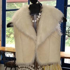 Cache faux fur vest XS